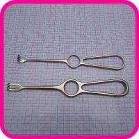 Крючок хирургический острый трехзубый К-26 №1