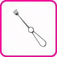 Крючок хирургический тупой трехзубый К-27т №2